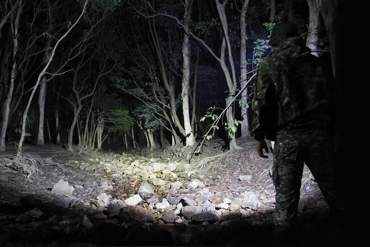 Military Flashlights Review – Top 3 Military Flashlights