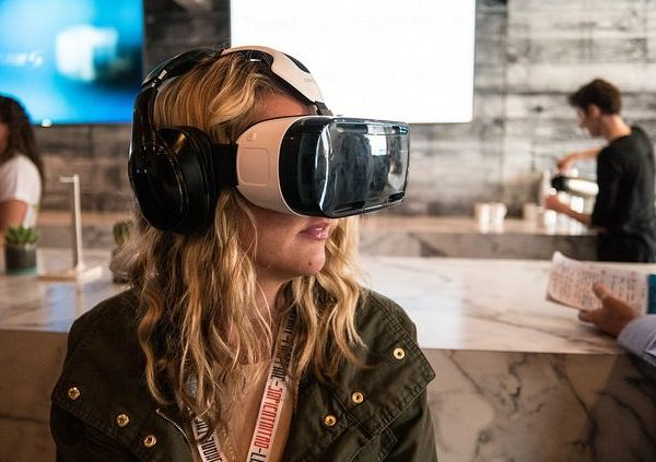 Digital Virtual Reality Shopping: Is it the Future?