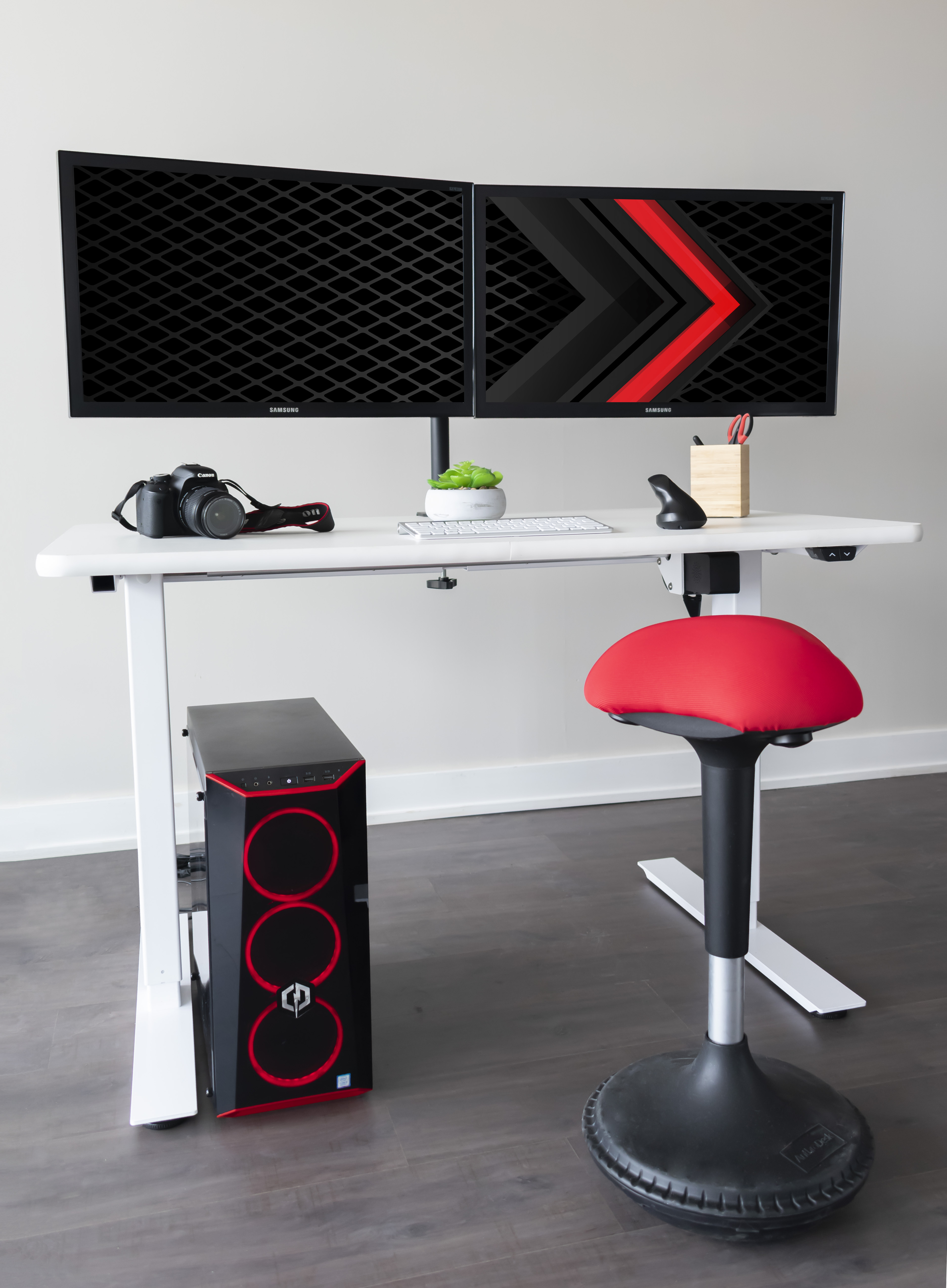 Gaming Desk with Camera